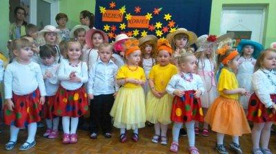 Kwiatki przedszkolaków dla Pań